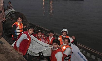 Chìm phà chở hơn 150 khách ở Bangladesh, 66 thi thể đã được tìm thấy