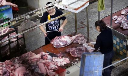 Thâm nhập lò thịt lợn bẩn nhiễm độc chưa kiểm dịch tung vào thị trường