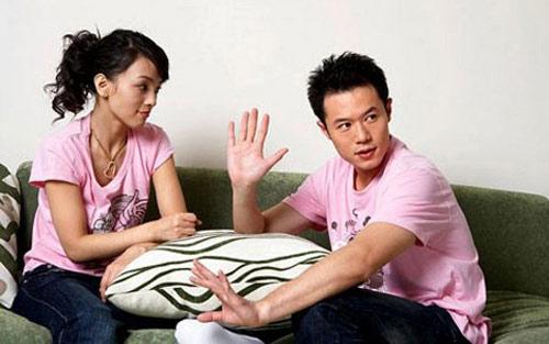 Vợ chồng, đừng nói 'tiền anh, tiền em'!