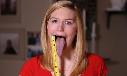 Cô gái có lưỡi dài tới mắt muốn phá kỷ lục thế giới