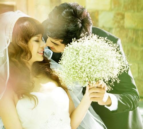 Trăng mật chồng bỏ vợ đi với người yêu cũ - Ảnh 1