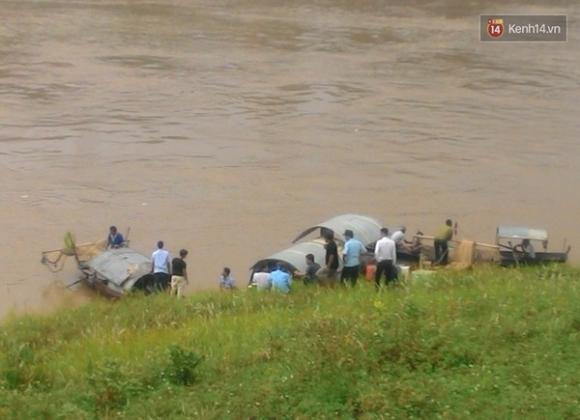 Hà Nội: Nam thanh niên bất ngờ nhảy xuống sông Đuống tự tử