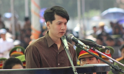 Nguyễn Hải Dương khoanh tay, khóc xin lỗi mẹ Vũ Văn Tiến