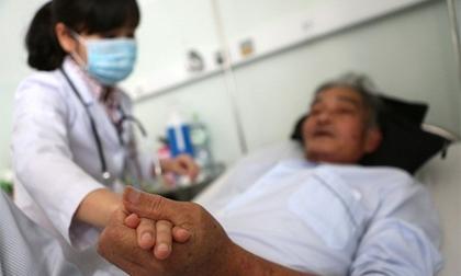 Căn bệnh gây ra những cơn đau như dội nước sôi vào miệng