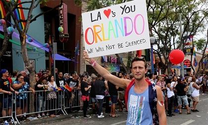 Sau vụ xả , làn sóng biểu tình của cộng đồng LGBT lan rộng trên toàn nước Mỹ
