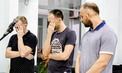 Ba người Nga dùng ATM giả rút tiền