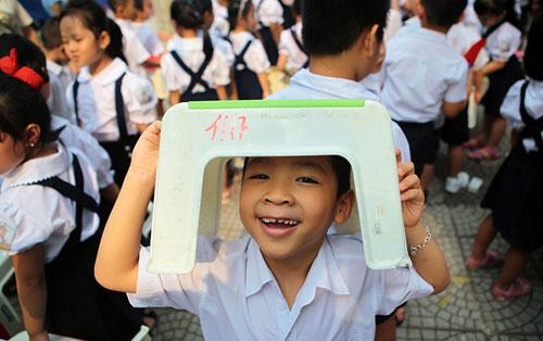 Những hình ảnh ngộ nghĩnh của trẻ nhỏ ngày đầu tới lớp - 9