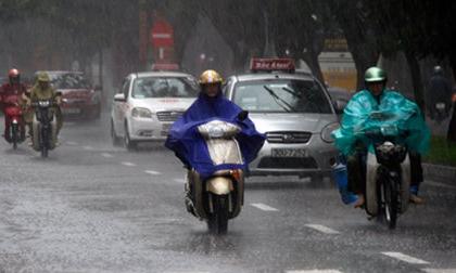 Hà Nội mưa dông, Sài Gòn nguy cơ ngập
