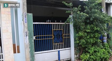 Đà Nẵng: Vợ tử vong, chồng nằm sùi bọt mép ở nhà riêng