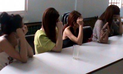 Thân phận 2 người đẹp trong ổ mại dâm cao cấp ở Sài Gòn