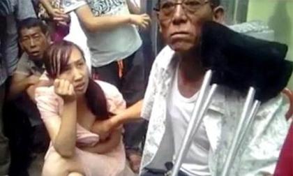 Hốt hoảng với những chiêu thức xem bói bằng cách sờ ngực, quan hệ ở Trung Quốc
