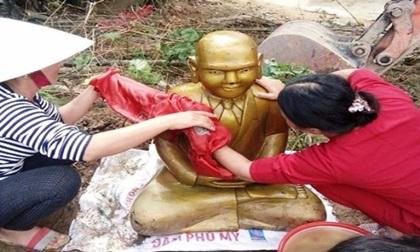 Phát hiện pho tượng lạ, vàng óng, dáng ngồi giống tượng phật nghi có niên đại hàng trăm năm