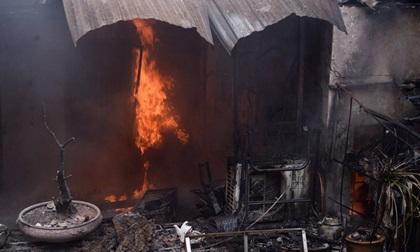 Hà Nội: Cháy lớn trên phố Trần Khát Chân