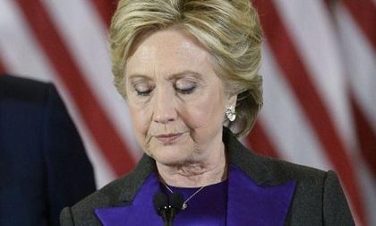 Bà Clinton nói gì trong lần xuất hiện đầu tiên sau cuộc bầu cử