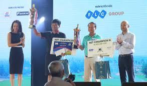Lễ trao xe Genesis G90 cho khách hàng trúng giải Hole in One tại FLC  Golf Championship 2016