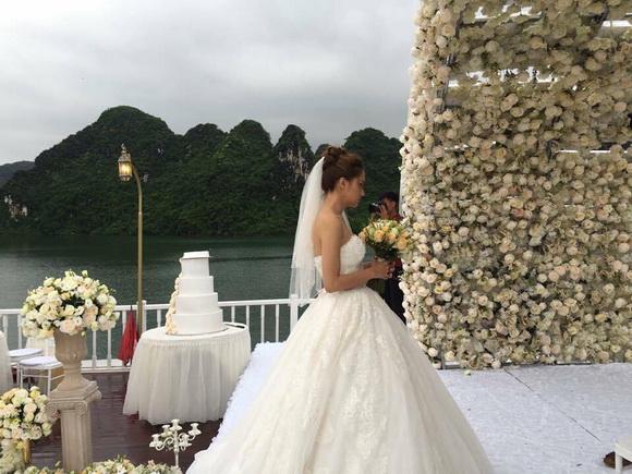 Hương Giang Idol lên xe hoa 2