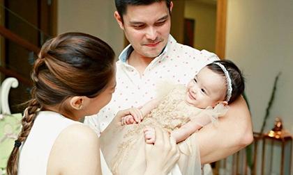 Con gái 'Mỹ nhân đẹp nhất Philippines' 4 tháng tuổi đã đắt show quảng cáo