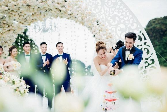 Đám cưới Hương Giang Idol 3