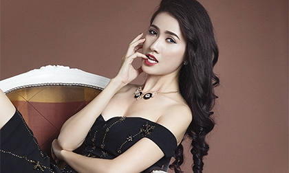 Phan Thị Mơ khoe vai trần gợi cảm sau tin đồn lấy chồng đại gia