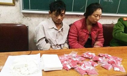 Bị truy bắt, hai vợ chồng hờ ôm ma túy nhảy xuống vực