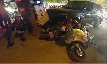 Hà Nội: Xế hộp 'khủng' gây tai nạn liên hoàn, 3 người nhập viện