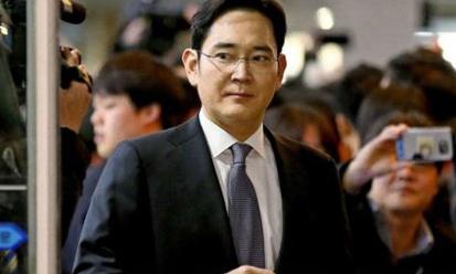 Tổng thống Hàn Quốc sẵn sàng từ chức vào tháng 4/2017