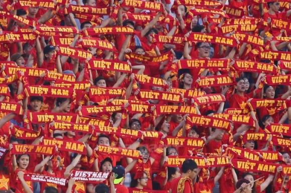 Tiếp lửa cho Đội tuyển Việt Nam trên SVĐ QK7. (Ảnh minh họa)