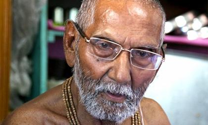 Cụ ông 120 tuổi tiết lộ bí quyết sống lâu là không quan hệ