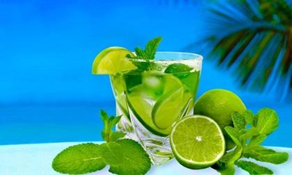 Công dụng tuyệt vời của cốc nước chanh ấm uống vào buổi sáng