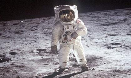 Con người sắp đi du lịch lên Mặt trăng?