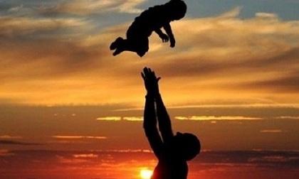 Xúc động với lá thư cha viết gửi con trai mới sinh