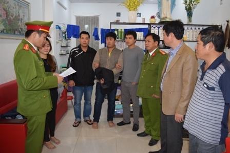 Cơ quan điều tra, Công an tỉnh TT Huế thi hành lệnh khám xét nơi ở Đối tượng Nguyễn Hoàng Tâm.