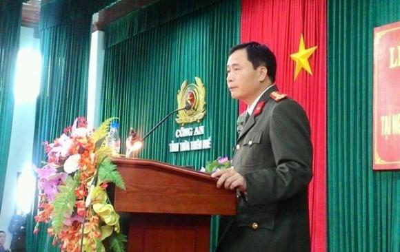 Đại tá Lê Quốc Hùng - Giám đốc Công an tỉnh Thừa Thiên - Huế đánh giá cao vai trò của quần chúng nhân dân trong trong việc truy tìm đối tượng. (Ảnh: Đăng Hậu).