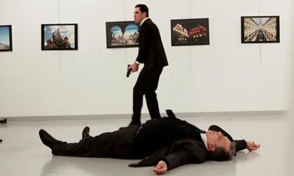 Chấn động: Đại sứ Nga bị một cảnh sát Thổ Nhĩ Kỳ sát hại