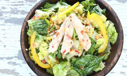 Cách làm salad thịt gà tuyệt ngon kiểu Thái