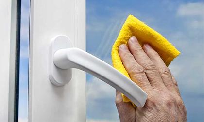 Cách vệ sinh cửa kính nhanh và hiệu quả nhất