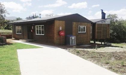Những ngôi nhà gỗ trở thành điểm du lịch đắt khách ở Nam Phi