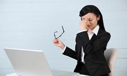 Cách trị mỏi mắt khi ngồi máy tính đơn giản, hiệu quả