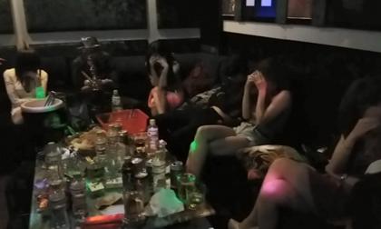 Đột kích quán karaoke ở Sài Gòn, bắt quả tang 11 dân chơi đang phê ma túy