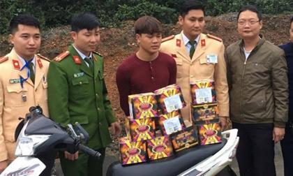 Hà Tĩnh: Ngang nhiên vận chuyển 30 kg pháo bằng xe máy đi tiêu thụ