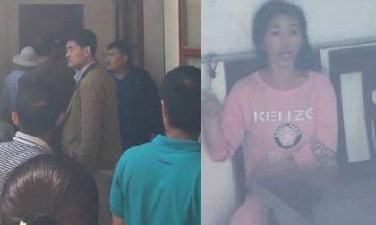 Hàng chục người dân đuổi, vây bắt người phụ nữ nghi bắt cóc trẻ em