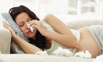 Bà bầu bị cảm cúm ảnh hưởng như thế nào tới thai nhi?