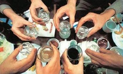 Mẹo phòng tránh ngộ độc rượu trong dịp Tết