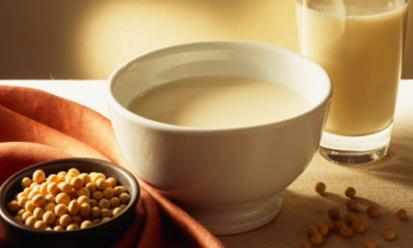 Bà bầu uống sữa đậu nành có được không?