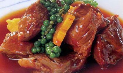 Cách làm món Bắp bò hầm tiêu xanh ấm lòng cỗ Tết