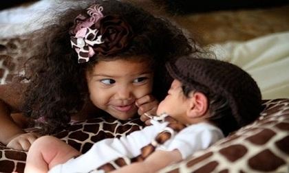 Những khoảnh khắc khó quên cha mẹ nên chụp lại cho bé