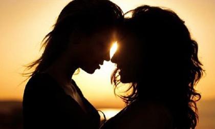 Không chấp nhận vợ ngoại tình với... đàn bà