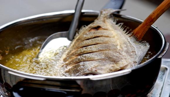 meo-lam-cac-mon-chien-dung-cach-thom-gion-khong-bi-chay-giadinhvietnam.com 2