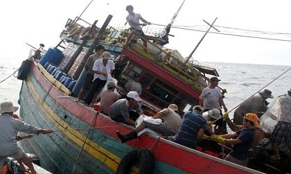 Gặp sự cố trên biển, cần làm gì để sống sót?