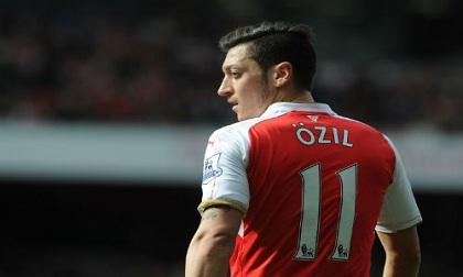 Tin HOT bóng đá sáng 7/3: Ozil lỡ đại chiến Bayern Munich
